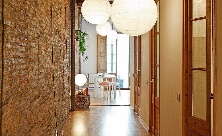 Eixample Apartment — Hallway
