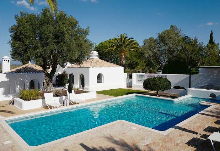 Casa Arte — Casa Arte pool area
