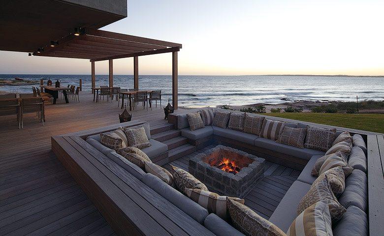 Playa Vik — Parillero terrace