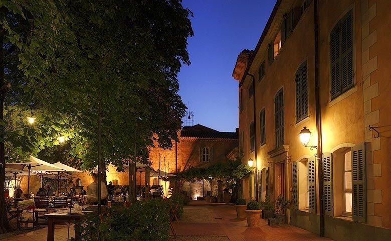 L'Abbaye de la Celle — Terrace in the evening