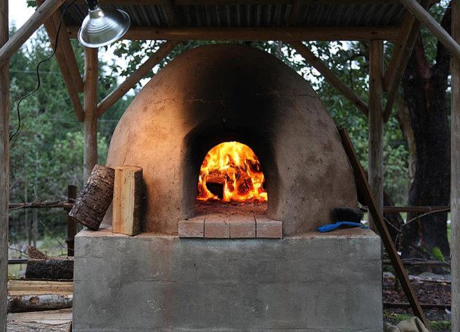 Bloom Organic B&B — Outdoor oven