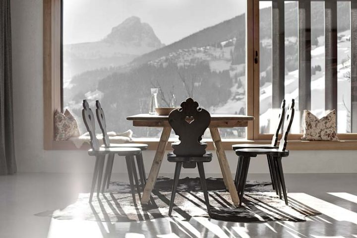 Modern Chalet — Dining area and view