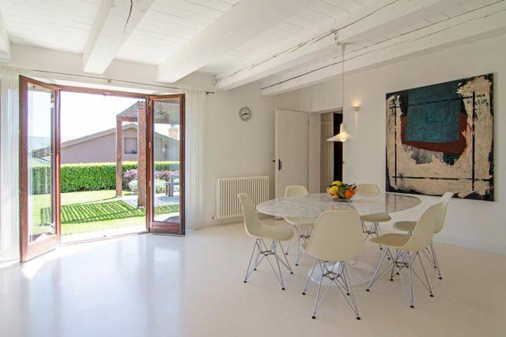 Borgo Tranquillo — Villa dining area