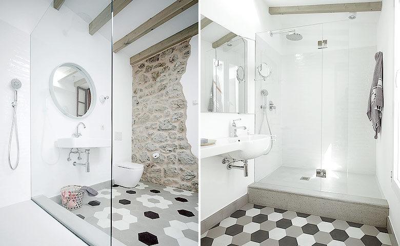 Casa Port — Bathrooms