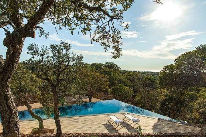 Les Terrasses de Comporta — Pool and view towards the coast