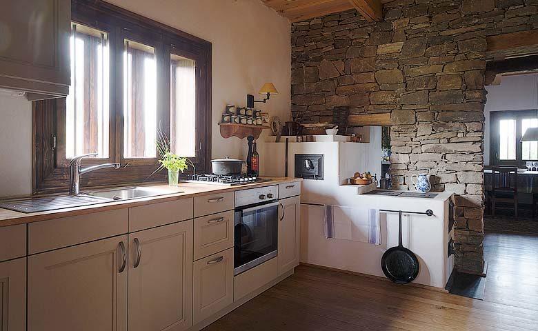 Maris Lodge — Kitchen