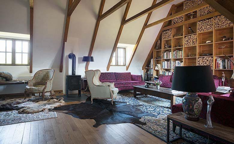 Maris Lodge — Upstairs living area