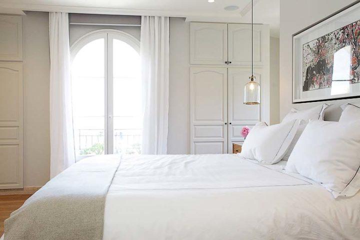 Villa d'Antibes — Master bedroom