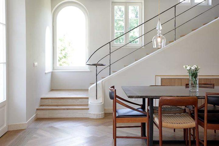Villa d'Antibes — Dining area