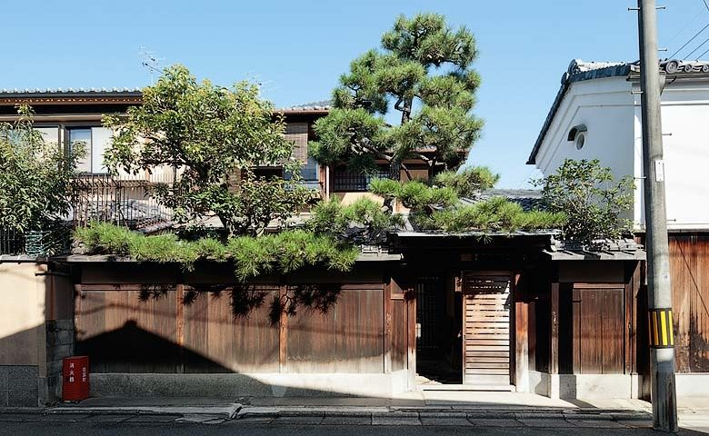 Nichinichi Townhouse — Exterior
