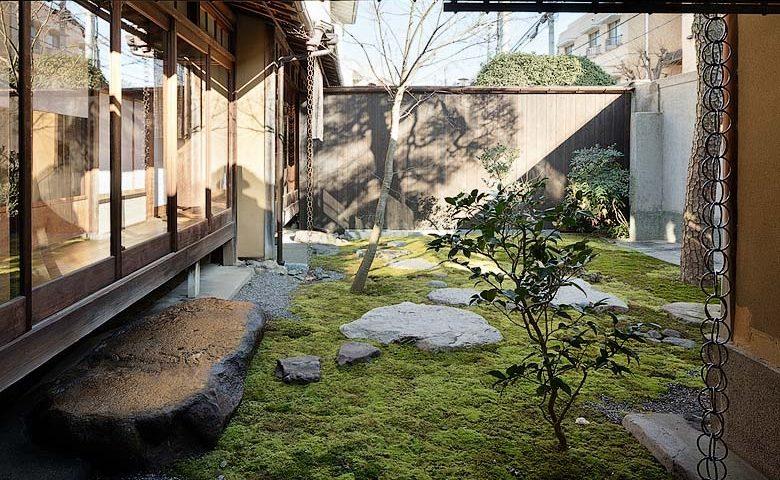 Nichinichi Townhouse — Courtyard
