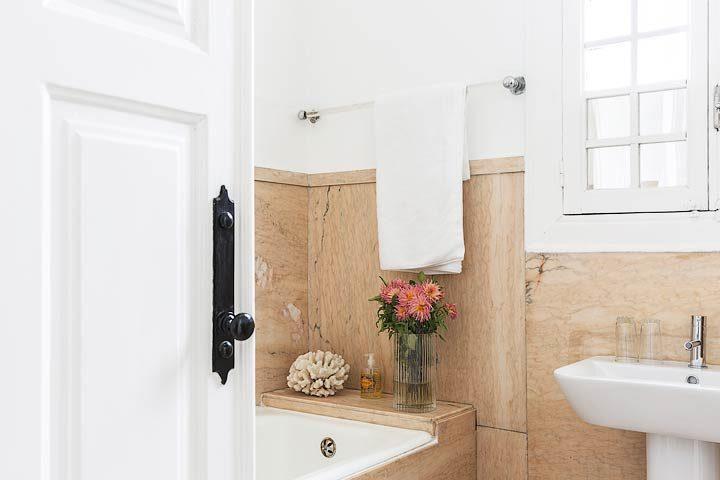 myhomeinporto — Green room bathroom