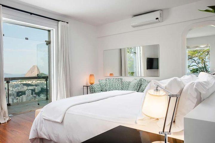 Vila Santa Teresa — Master Suite