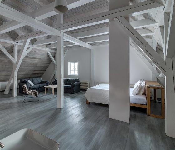 Mezi Plutky — The Parents bedroom