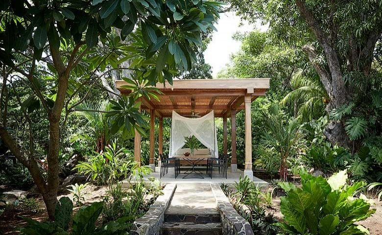 Nicaragua Private Island — Pavilion with hanging bed