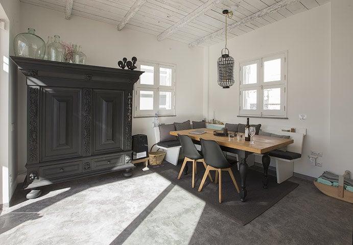Casa Olhão — Dining area