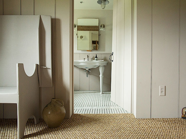 The Dutchess — Bathroom