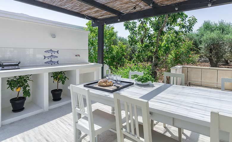 Villa Puglia — Outside kitchen