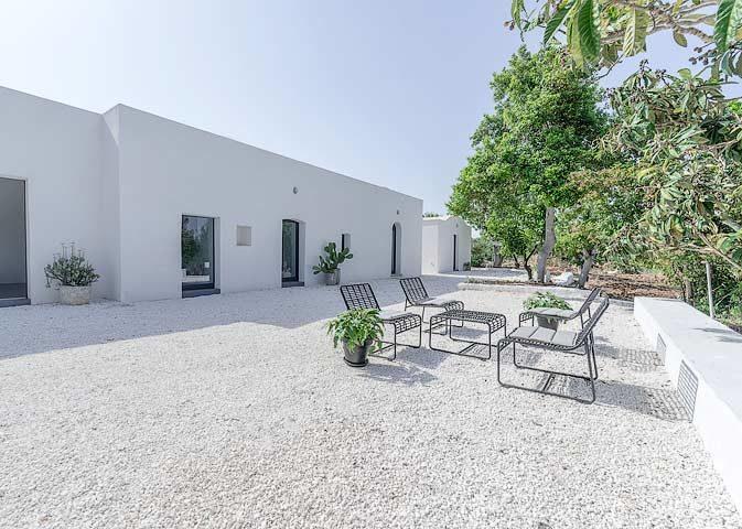 Villa Puglia — Outside