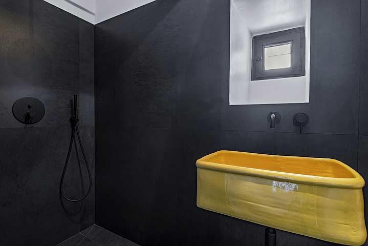Villa Puglia — Bathroom