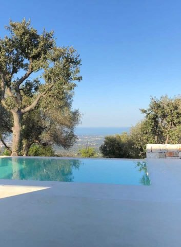 Trullo M — Pool and view