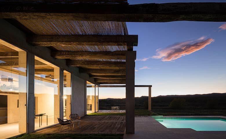 SpronkenHouse — SpronkenHouse - Villa 2 terrace and pool
