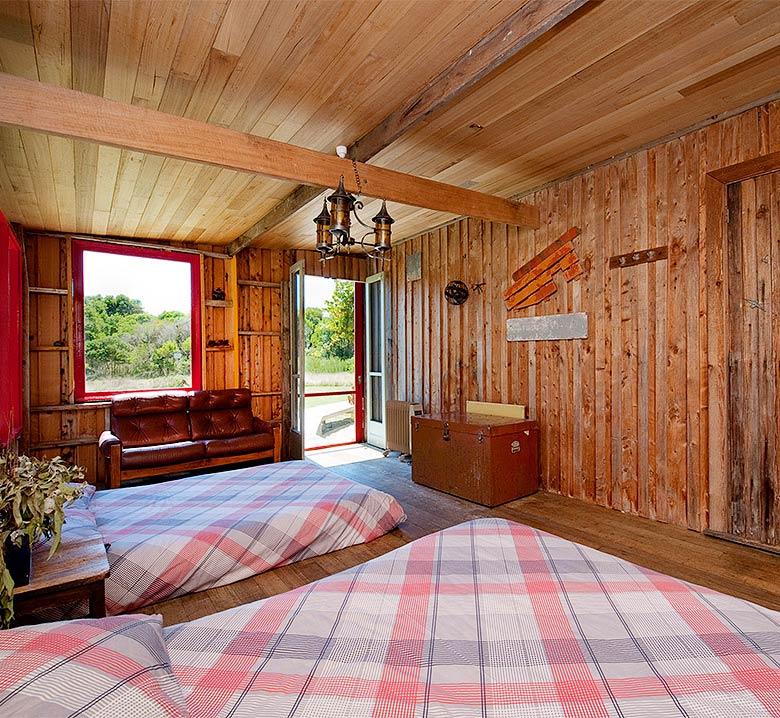 Walkerville Shack in Victoria, Australia | Cottages / Cabins
